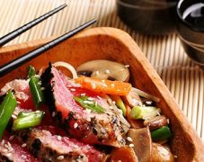 Gluten-Free Seared Tuna with Julienne of Vegetables