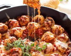 Gluten-Free Turkey Meatballs with Marinara Sauce